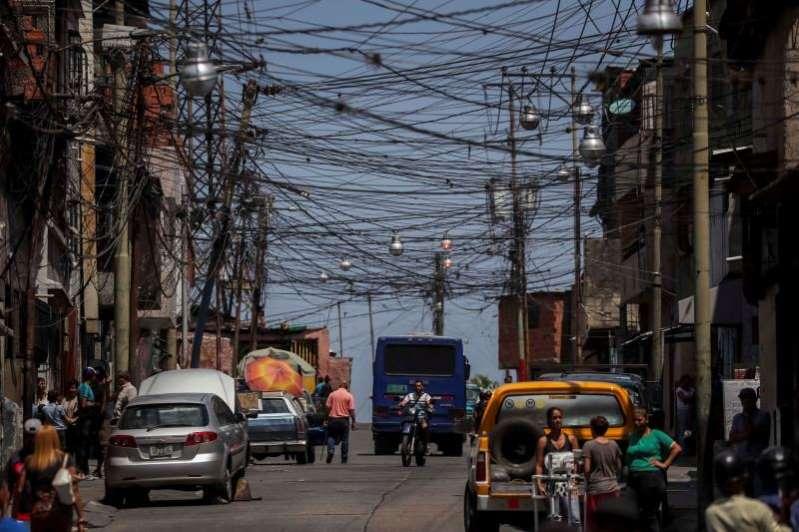 el-gobierno-cortara-la-electricidad-a-los-venezolanos-18-horas-por-semana